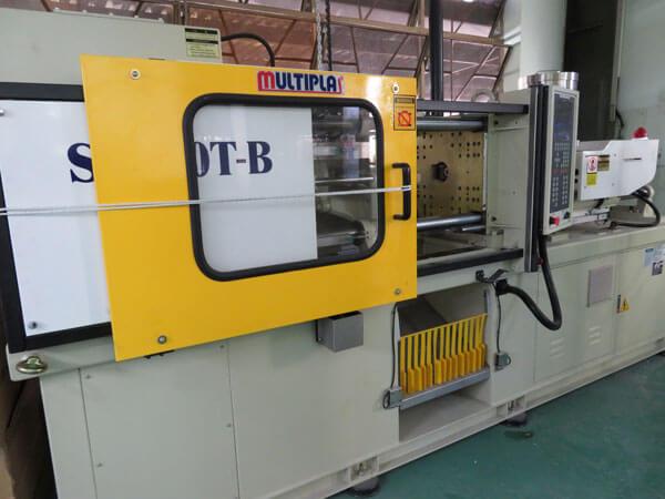 Thermosetting resin molding machine